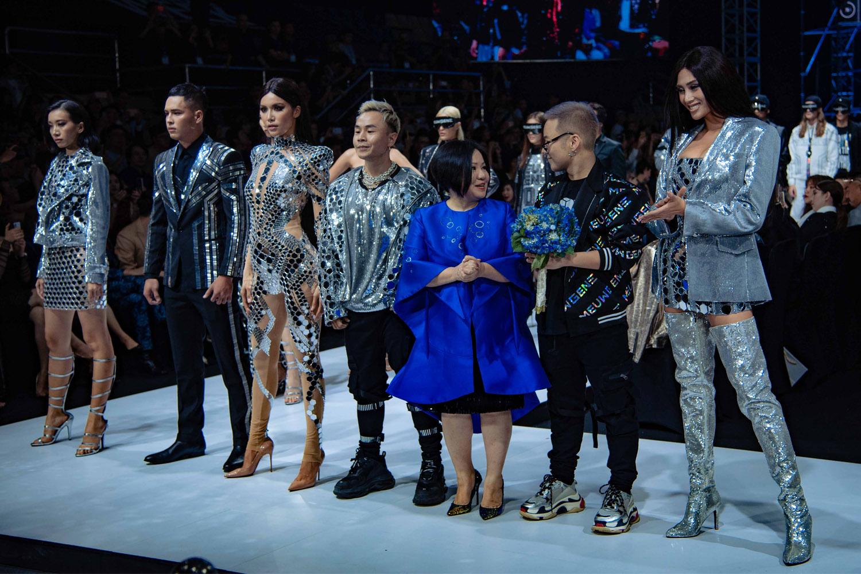 Bùng nổ cảm xúc tại đêm khai mạc Aquafina VietNam International Fashion Week 2019 4