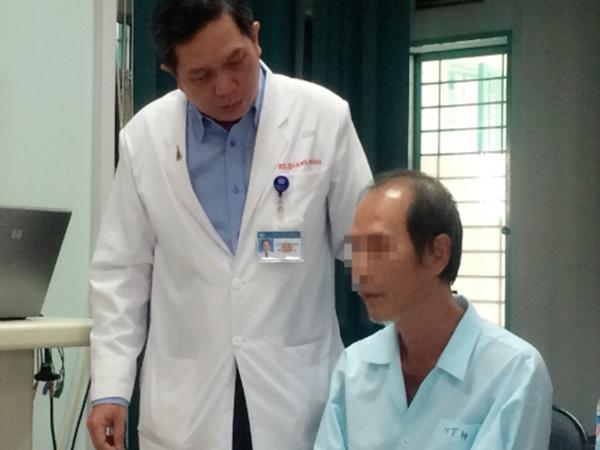 Bệnh nhân khổ sở vì hóc xương cá nhưng bị chẩn đoán nhầm lao phổi