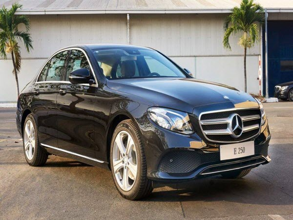 Bộ đôi Mercedes E250 và E300 2017 lắp ráp ở Việt Nam có gì mới?
