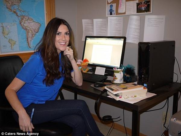 Cô gái Mỹ ăn đồ thừa của đồng nghiệp để tiết kiệm tiền mở công ty riêng