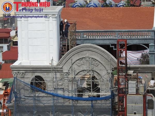"""Hà Nội: Công trình """"lạ"""" sai phép mọc trên nóc tòa nhà Công ty xây dựng Bắc Hà?"""