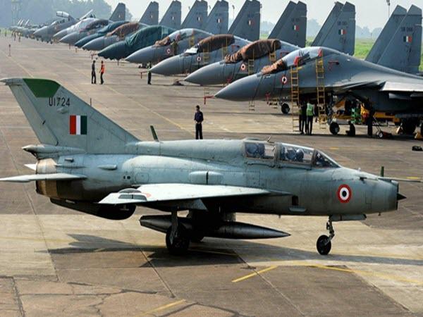 Máy bay chiến đấu Sukhoi-30 MKT của Ấn Độ rơi gần biên giới Trung Quốc