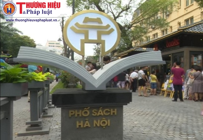 Phố sách Hà Nội đón hàng ngàn lượt khách những ngày đầu khai trương