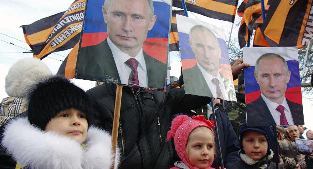Tổng thống Nga Putin đạt tín nhiệm cao kỷ lục năm 2016
