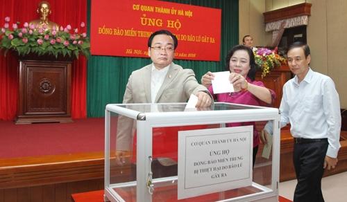 Hà Nội: Hơn 42 tỷ đồng ủng hộ Quỹ 'Vì người nghèo' và đồng bào miền Trung