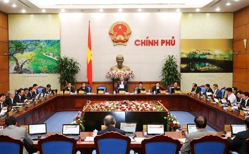 Thủ tướng Nguyễn Xuân Phúc: Cần nỗ lực đạt mức tăng trưởng khoảng 6,3-6,5% cho cả năm 2016