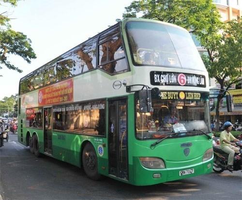 Triển khai thí điểm dịch vụ xe 2 tầng chở khách du lịch trong đô thị