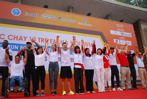'Chạy vì trẻ em Hà Nội' quyên góp hơn 1 tỷ đồng trong một buổi sáng