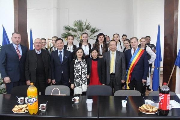 Kêu gọi các doanh nghiệp Romania đầu tư vào Việt Nam