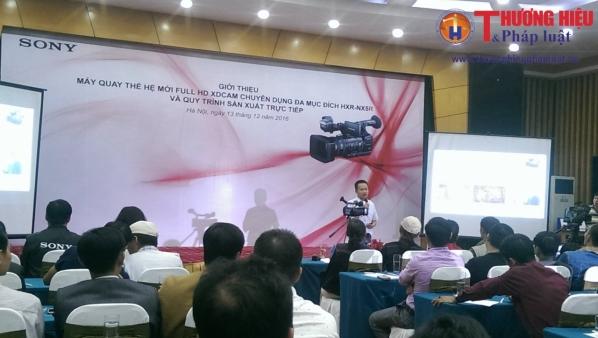 SONY giới thiệu máy quay thế hệ mới NXCAM chuyên dụng đa mục đích HXR-NX5R