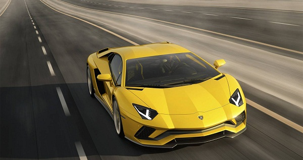 Siêu xe Lamborghini Aventador S chính thức ra mắt.