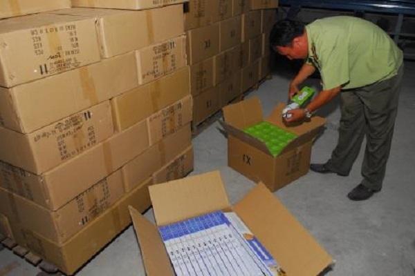 TP.HCM: Thu giữ hàng chục nghìn bóng đèn led nhập lậu