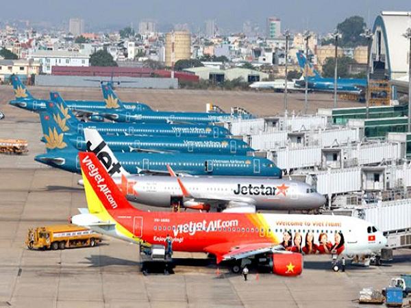 Các hãng hàng không đồng loạt giảm giá mạnh giờ bay đêm dịp Tết Nguyên đán