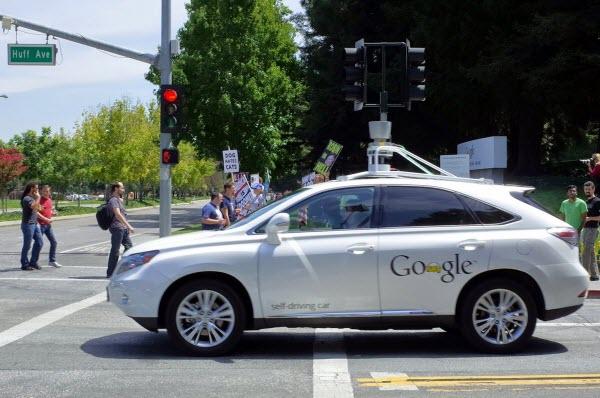Google được cấp bằng sáng chế cho hệ thống gợi ý điểm đón và trả khách cho xe tự hành