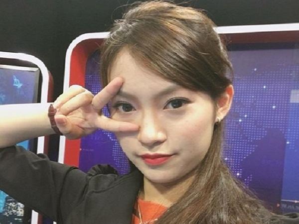 """Nữ sinh """"nhại 7 thứ tiếng"""" trở thành MC kênh truyền hình VTC1"""
