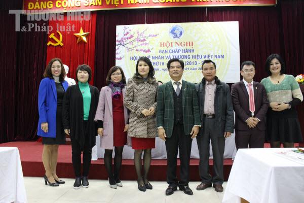 Hội nghị BCH Trung ương Hội Nghệ nhân và Thương hiệu Việt Nam lần thứ IV, khóa I (nhiệm kỳ 2013 – 2018): Kiện toàn tổ chức, hướng đến thành công