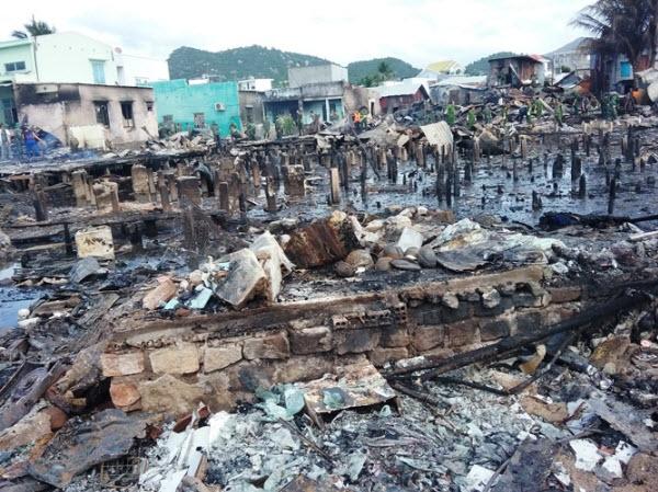 70 hộ dân bơ vơ cảnh không nhà sau khi 'bà hỏa' ghé thăm
