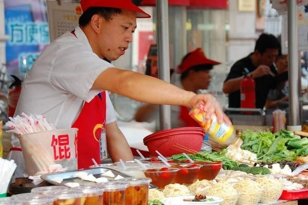 Nước tương và gia vị giả rúng động ngành thực phẩm Trung Quốc