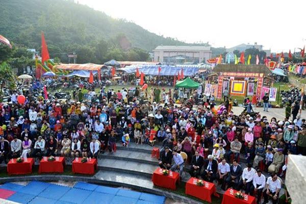 Hàng ngàn người dân náo nức dự Lễ hội Chợ Gò
