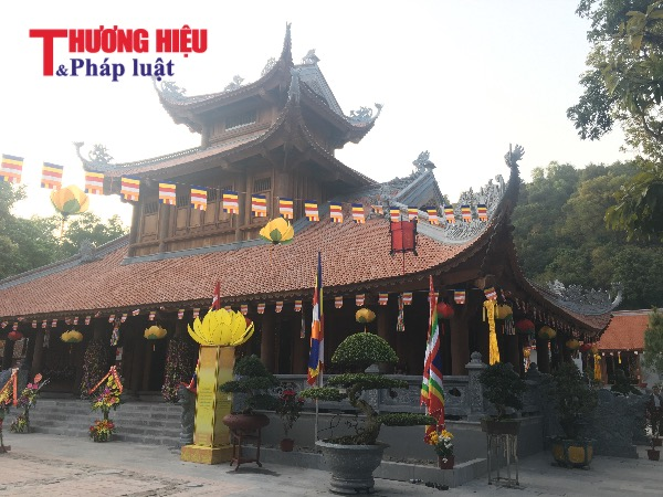 Điều ít người biết bên trong tuyệt tác Cửu Phẩm Liên Hoa ở chùa Côn Sơn