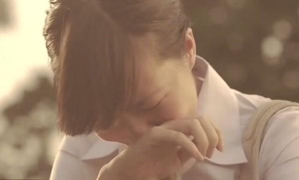 Nước mắt đắng cay của mẹ đơn thân khi người cha phụ bạc đòi nhận con