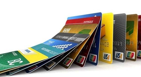 Ngân hàng nào sẽ chịu trách nhiệm khi giao dịch chuyển khoản của khách hàng bị gián đoạn?