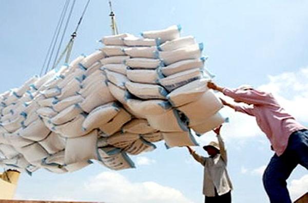 'Tốn 20.000 USD chạy giấy phép xuất khẩu gạo': Bộ trưởng Công Thương chỉ đạo làm rõ thông tin