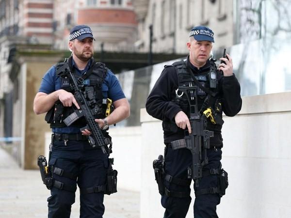 Bắt 7 nghi phạm liên quan tới vụ tấn công gần Nghị viện Anh