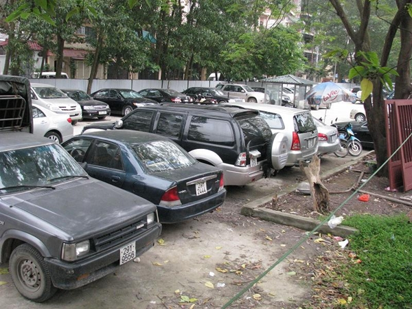 Hà Nội thí điểm quản lý chỗ đỗ ô tô bằng ứng dụng thông minh từ ngày 1/5