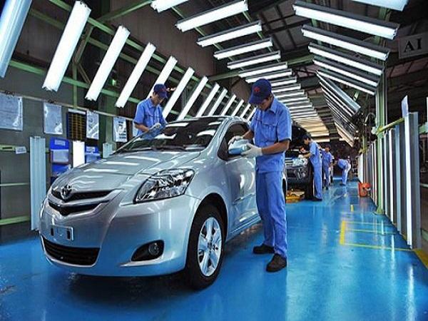Doanh số thị trường ôtô Việt Nam sụt giảm trong tháng Tư
