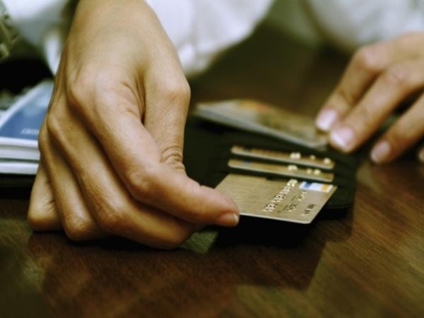Chủ thẻ mất trộm 30 triệu được ngân hàng tạm ứng toàn bộ tiền