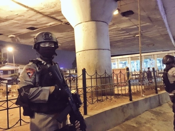 Indonesia: Nổ bom liên tiếp ở Jakarta, 5 người thiệt mạng
