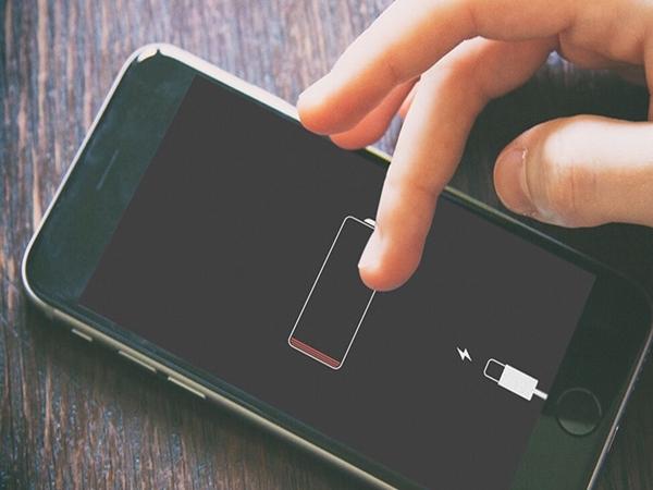 """6 sai lầm khi sạc pin có thể """"giết chết"""" smartphone của bạn"""