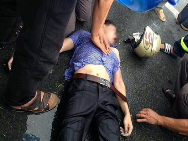 Vĩnh Phúc: Nam thanh niên bị sét đánh bất tỉnh khi đang đi xe máy